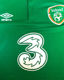 2015/16 IRELAND Home Football Shirt M Medium Green Umbro