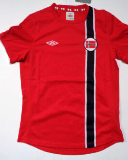 2012/13 NORWAY Home Football Shirt LB Large Boys Red Umbro BNWT